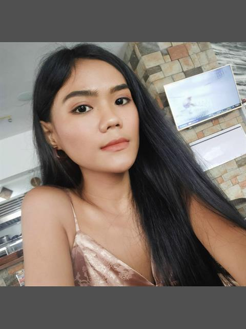 Dating profile for LovelyLuz from Cagayan De Oro, Philippines